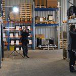 Making-of der Lageraufnahme mit Andreas Mann Fotografie im Hochregallager beim Landwirtschaftsausrüster Hessels Deutschland im Agrartechniksektor Antriebs- und Fördertechnik